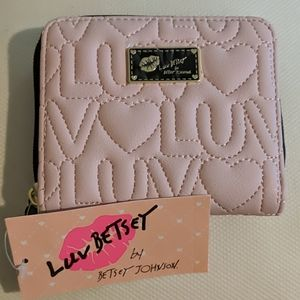 💋NWT Betsey Johnson Wallet